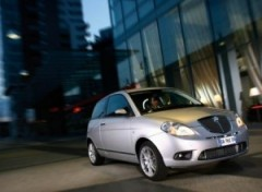 lancia-ypsilon_2006_1024x768_wallpaper_01-300x221.jpg