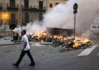 Palermo brucia